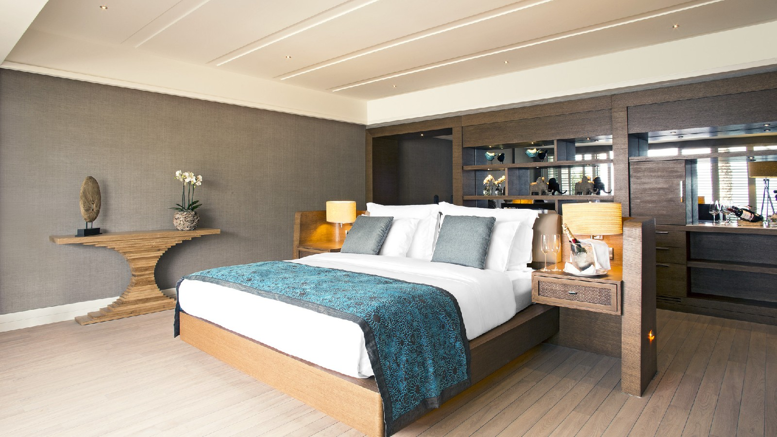 CARESSA A LUXURY - DELUXE MARINA SUITE